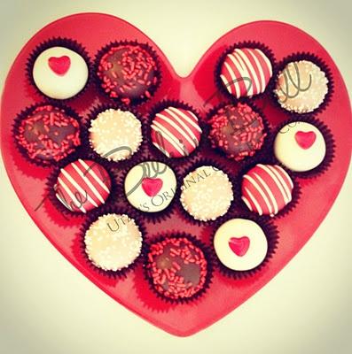 Valentine's Day Cake Balls | Hungry | Pinterest