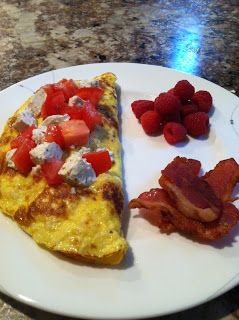 Goat Cheese, Tomatoes, and Spinach Omelet A great breakfast for right ...