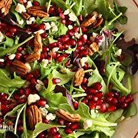 Mixed Baby Greens with Pomegranate Seeds, Gorgonzola and Pecans by ...