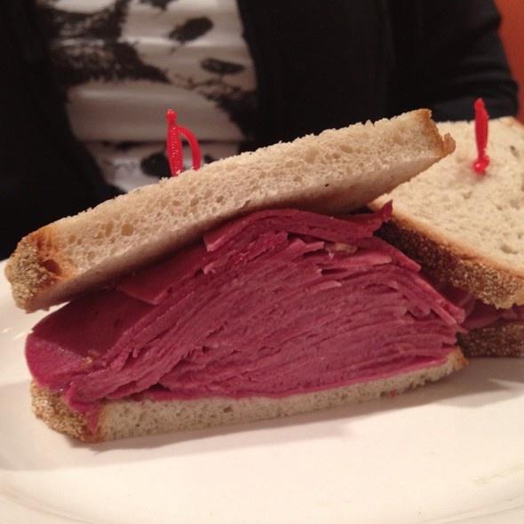 Beef tongue sandwich | Z DELI - DELICATESSEN E CATERING | Pinterest