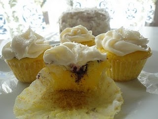 coconut-blueberry-lemon cupcakes w/cream cheese frosting