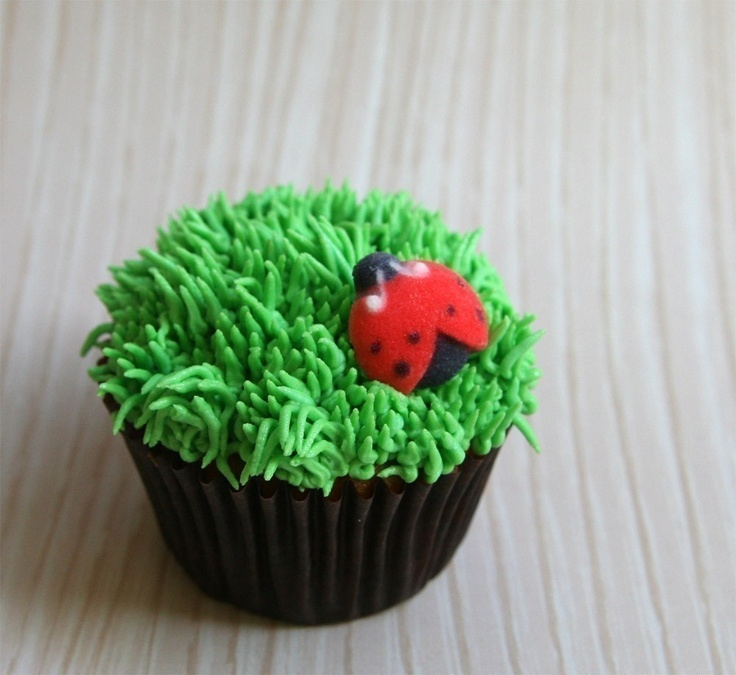 Cake Decorating Fondant Grass : Grass Pastry Tip #233 for Cupcake and Cake Decorating