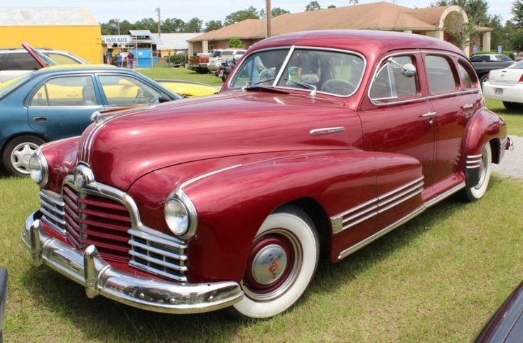 1946 pontiac 4 door sedan rides dream cars pinterest for 1940 pontiac 2 door sedan