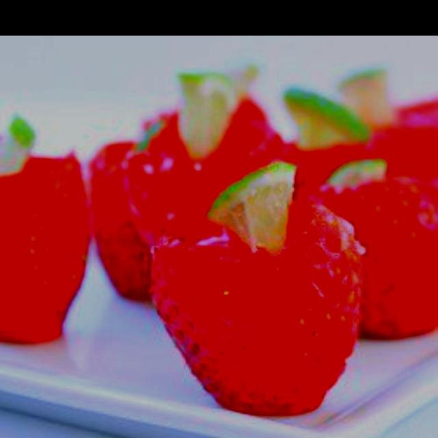 Strawberry Margarita Jello Shots | Sweets and Treats! | Pinterest