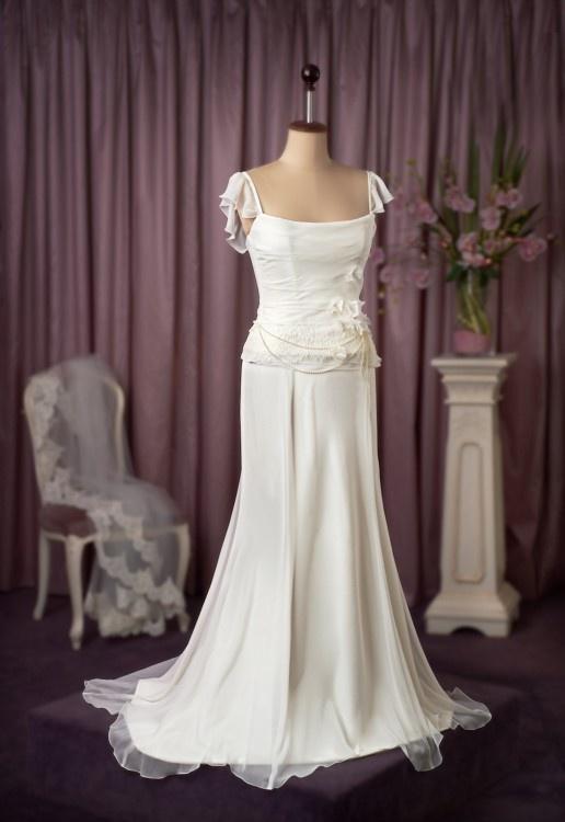 news castle bride wedding dress