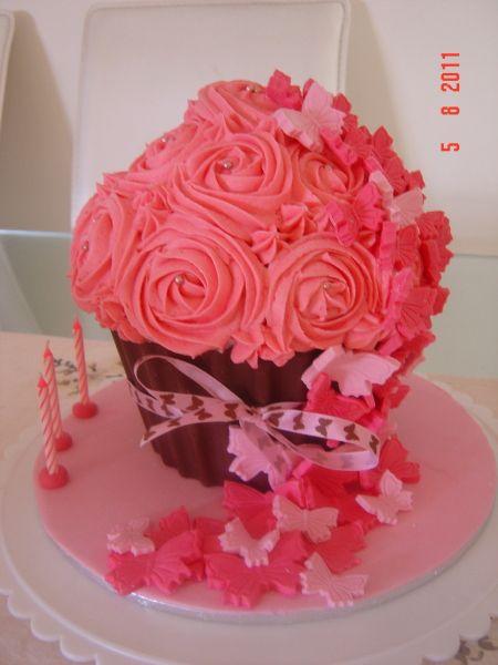 Giant Cupcake Decorating Ideas Birthday : Big Top Silicone cupcake cake mold Birthday Parties ...