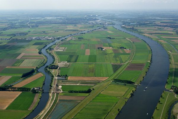 Dick Sellenraad/Aeroview, the Netherlands..  Overdiepse Polder, an infrastructure project in the southeastern province of Brabant south of Amsterdam, will have eight elevated farms.