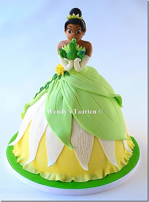 I just love Wendy's cakes!!! Princess and the Frog Cake