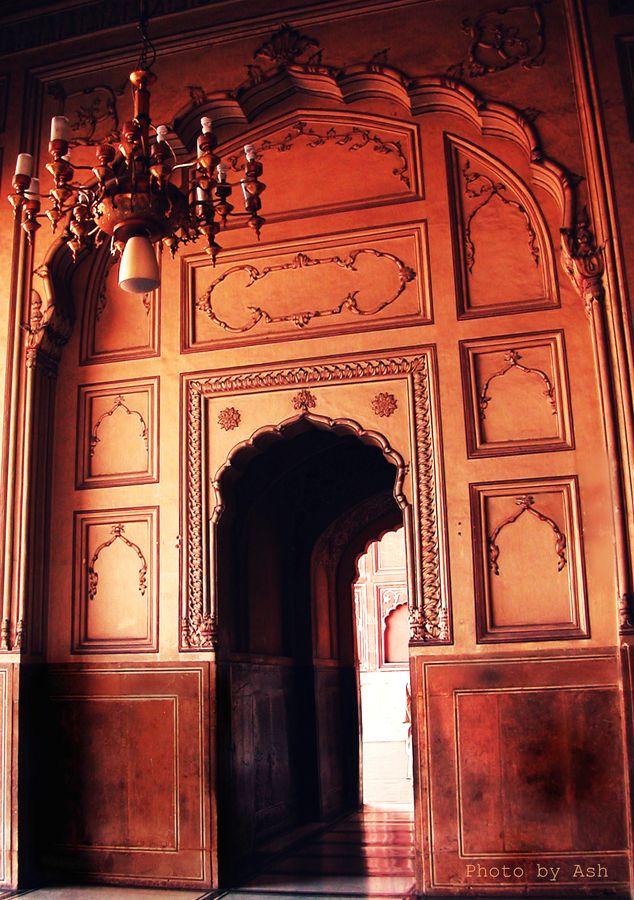 Inside Badshahi Mosque  LahoreInside Badshahi Mosque