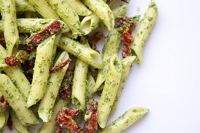 goat cheese, basil and spinach pesto pasta with sun-dried tomatoes