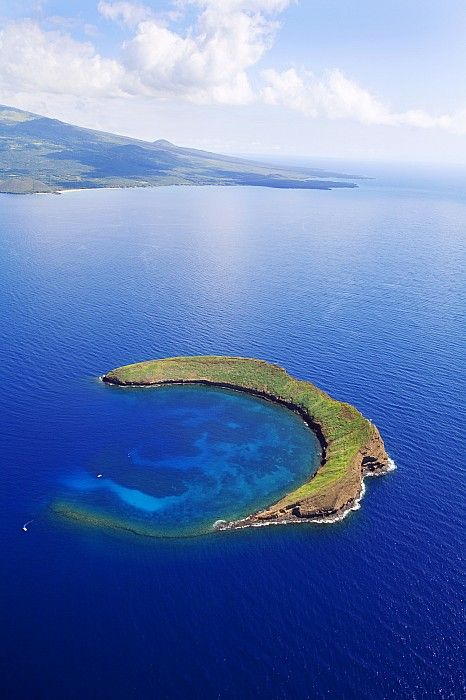 Molokini, Maui, Hawaii ( Or the Mermaid's Secret Lagoon ) need to go back some day!