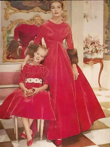 Mother Daughter Christmas Dresses pictures