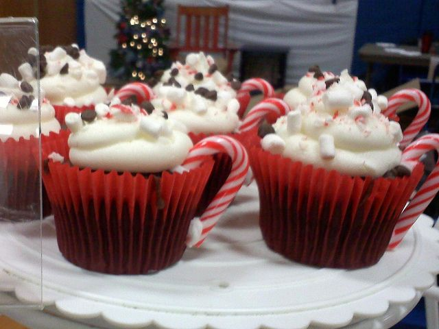 Hot cocoa cupcakes | Christmas | Pinterest