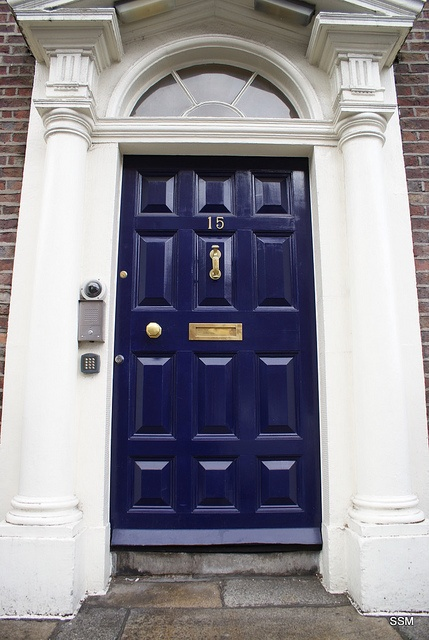 blue navy door love the brass for the home pinterest. Black Bedroom Furniture Sets. Home Design Ideas