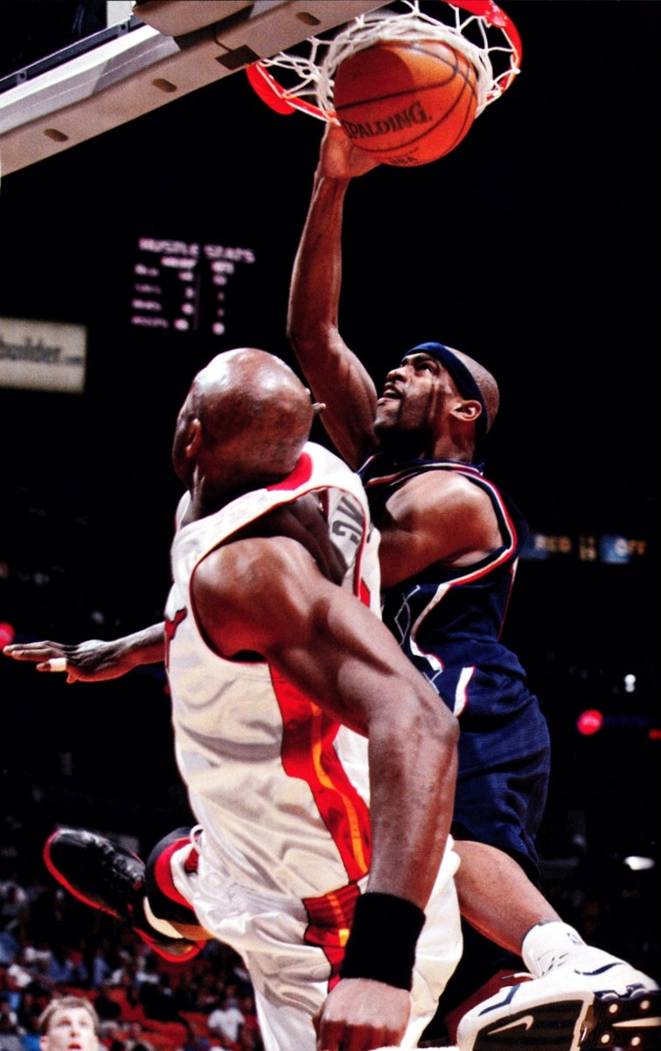 Vince carter dunks on alonzo mourning media cache ec0 pinimg com