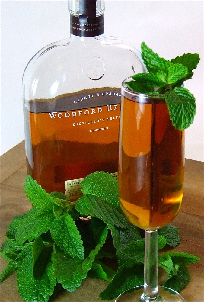 ... mint juleps! Perhaps a modern take on the classic with some bubbles