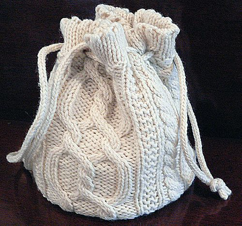 Cabled Round Bag pattern by Dianna Stevens