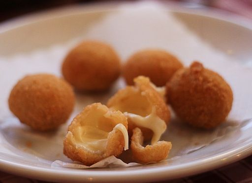 Deep fried mozzarella balls at La Villetta (Rome) I'm going to get so ...