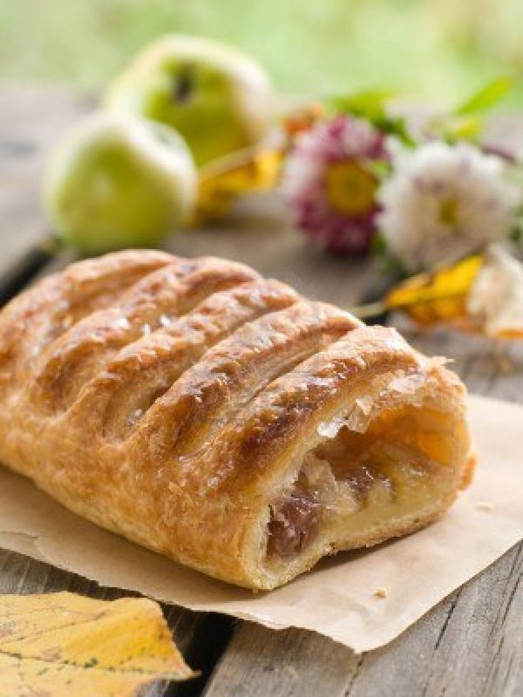 Apple strudel is a traditional Viennese strudel, a popular pastry in ...