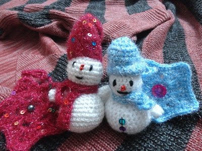 Snowmen in the scarves and hats:) | My Crafty Corner | Pinterest