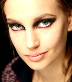 Makeup Trends for Fall/Winter 2013-2014: smokey cat eyes