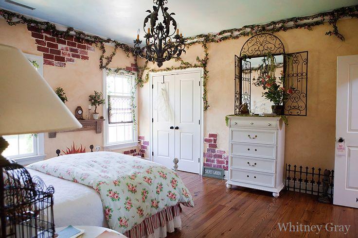 Secret garden themed bedroom for Garden themed bedroom ideas