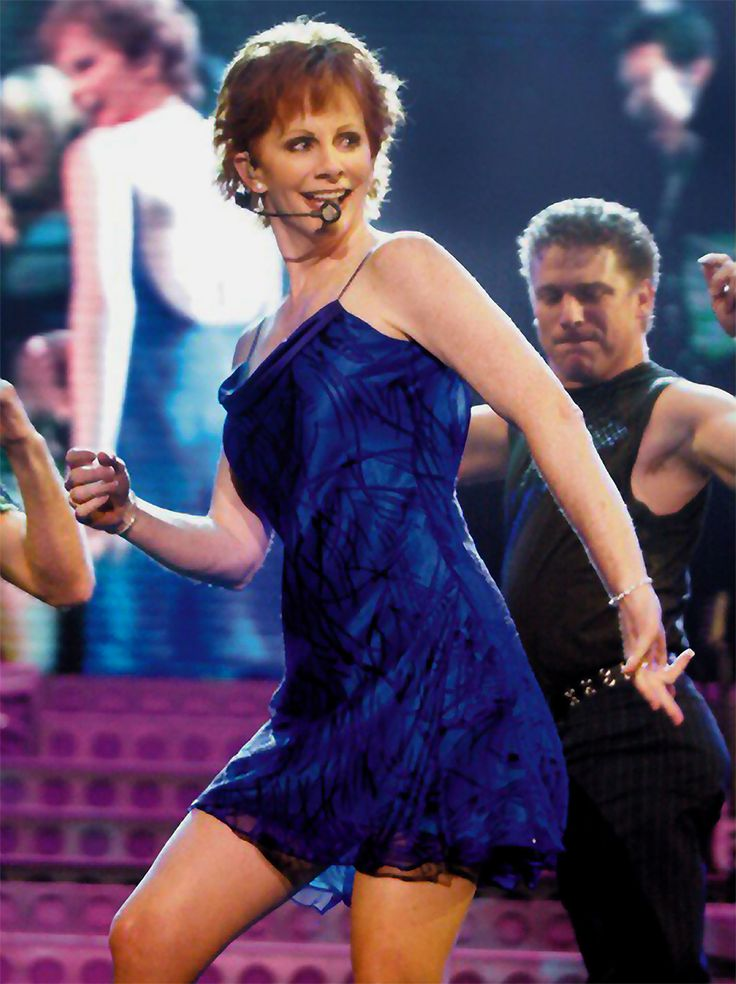 Reba McEntire ♥ Looking fabulous in this sexy dress | Best Singer ...