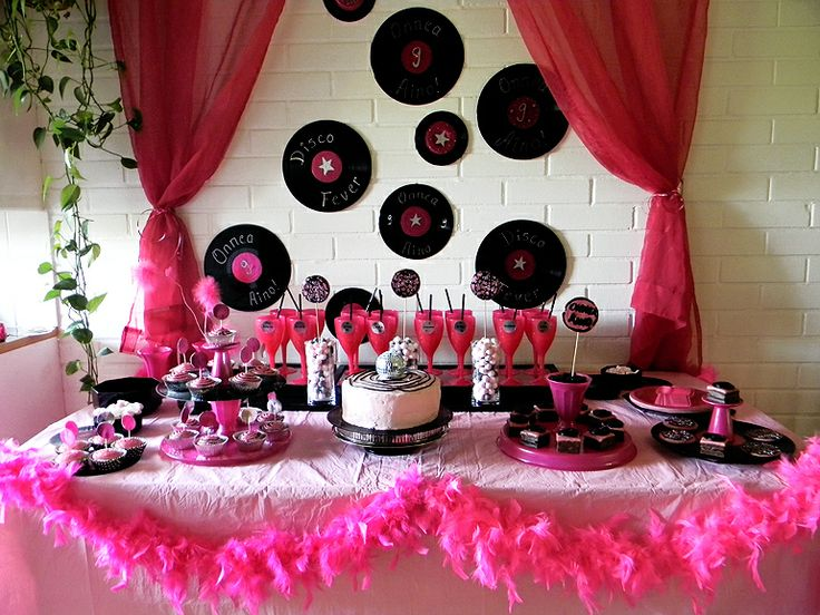 Pink disco decoration 70 39 s party ideas pinterest for Decoration annee 70
