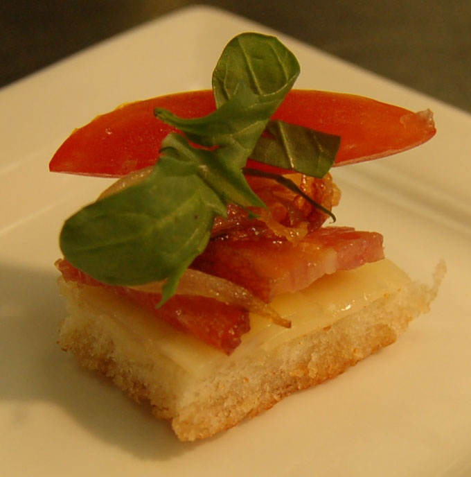 of the Day: Open-faced bacon and gruyere sandwich with tomato, arugula ...