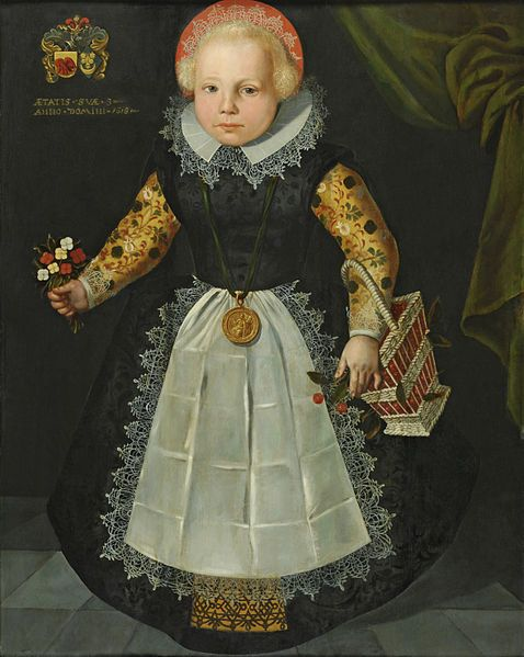 Description  English: Portrait of Anna van Popma, aged 3. Nederlands: Portret van Anna van Popma op driejarige leeftijd Date 1618 Dimensions 92.5 × 74 cm (36.4 × 29.1 in) Current location  Fries Museum  Accession number S07764 Inscriptions  Coat of arms top left  Date and age top left: AETATIS SUAE 3 / ANNO DOMINI 1618