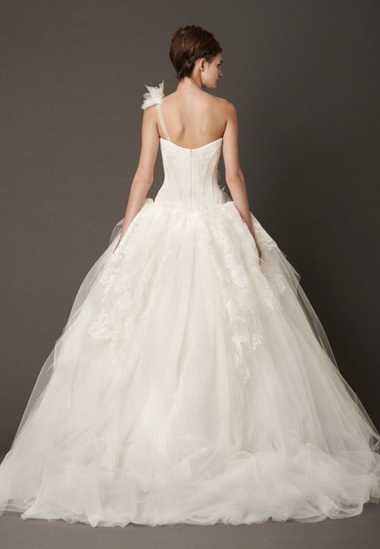 image-wedding-dresses-gowns-designer-vera-wang-spring2013-11