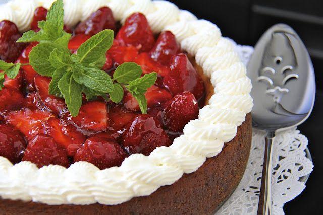 ... : Vanilla Bean Cheesecake w/ Citrus-Ginger Honey Glazed Strawberries