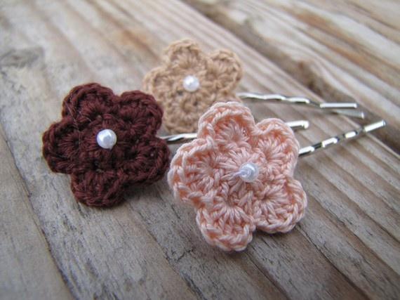 crochet flower hair pins crafts Pinterest
