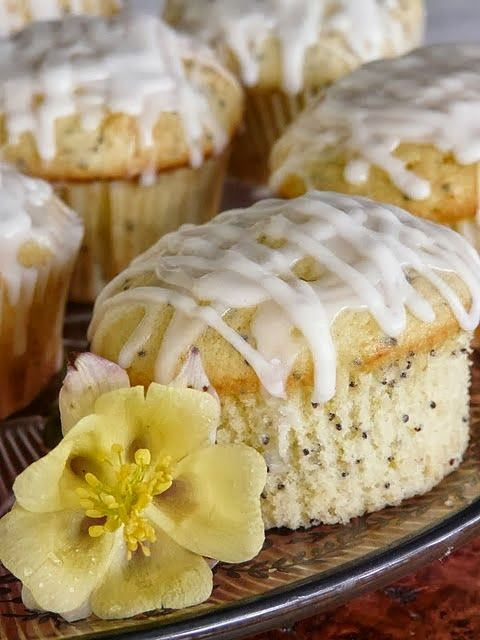 Glazed Lemon Poppy Seed Muffins | cakes and cupcakes | Pinterest