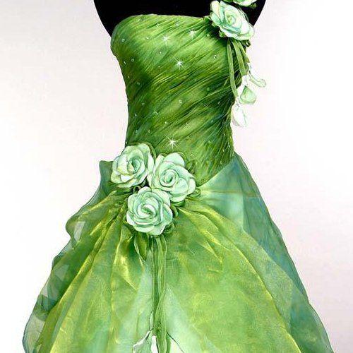 Detail der weißen Rosen  grünes Brautkleid - green wedding dress ...