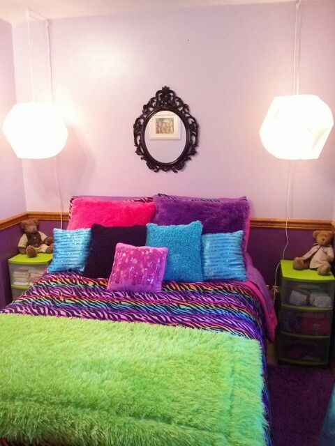Rainbow zebra bedroom bedroom ideas pinterest for Rainbow bedroom ideas