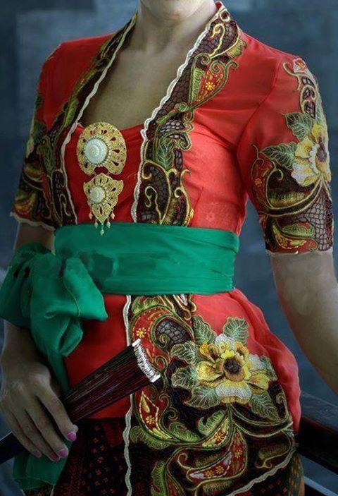 kebaya bali   Batik Indonesia   Pinterest