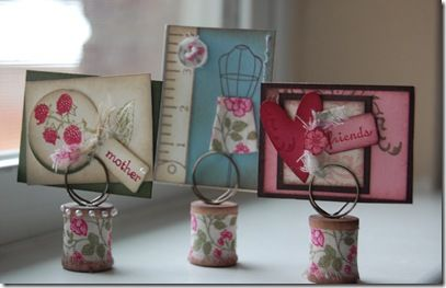 The cutest ATC/card/photo holders. DIY ! Oh, and the ATCs are cute too ...
