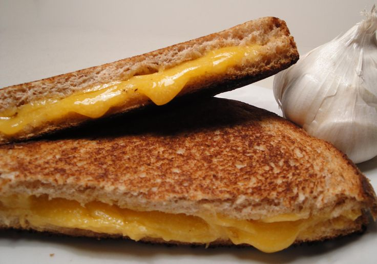 never think of this stuff!! Roasted garlic grilled cheese!