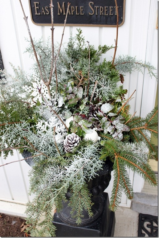 Christmas Decorating Ideas For Outdoor Urns : Outdoor urn christmas decorations