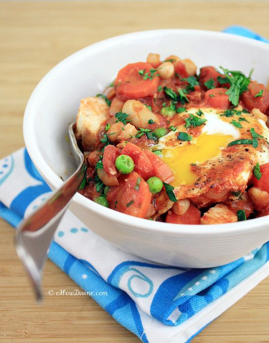 Spicy Tomato Sauce with Poached Eggs   Food   Pinterest