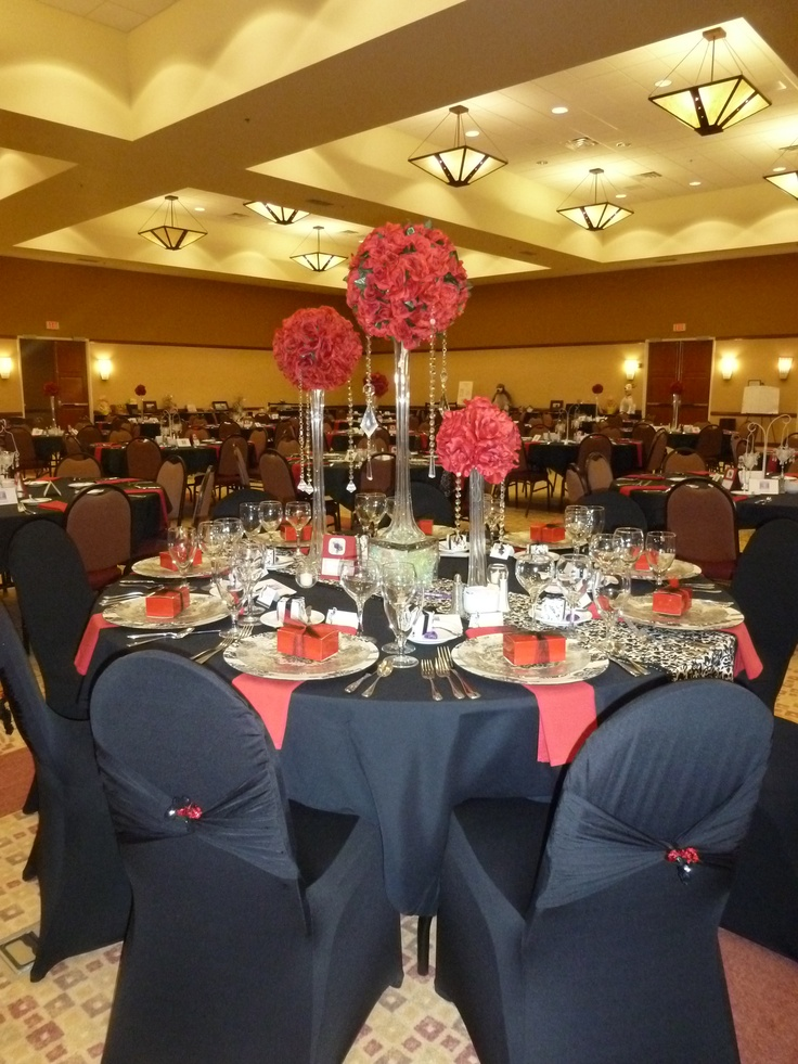 Red white and black tablescape lets party tablescapes for Black and white tablescape ideas