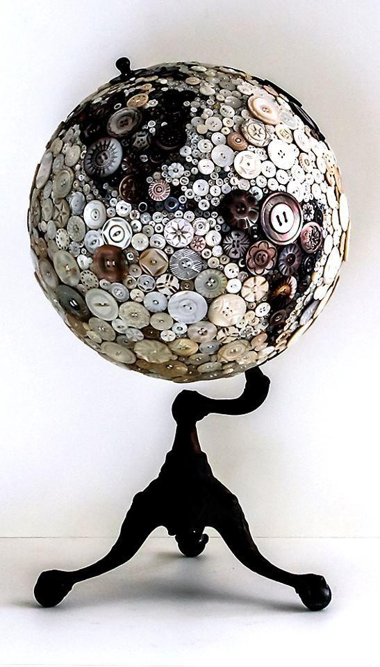 button globe.