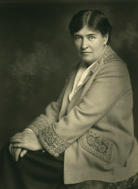 writer cather Willa cather, the author of several celebrated novels examining the lives of  western pioneers, dies in new yorkborn in virginia in 1873, cather moved with  her.