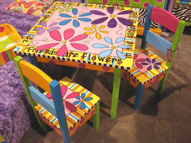 Flower table 2 chairs craft ideas pinterest - Paint for childrens furniture ...