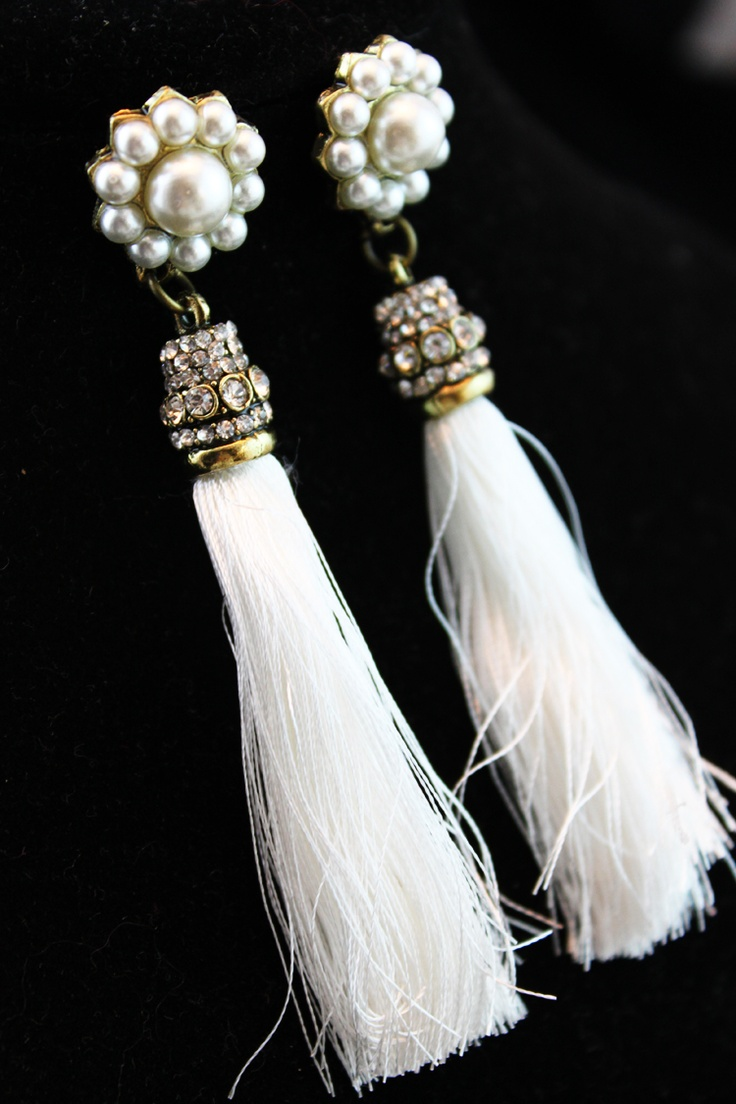 White pearl earrings with tassels, fashion, sexy.