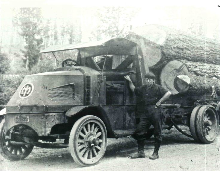 1926 Mack Logging truck, Washington state. Curious about how they lifted the logs onto the truck at that time.