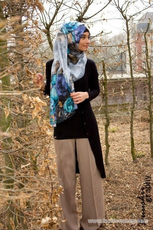 Fashion Trend Of Printed Head Scarves For Women