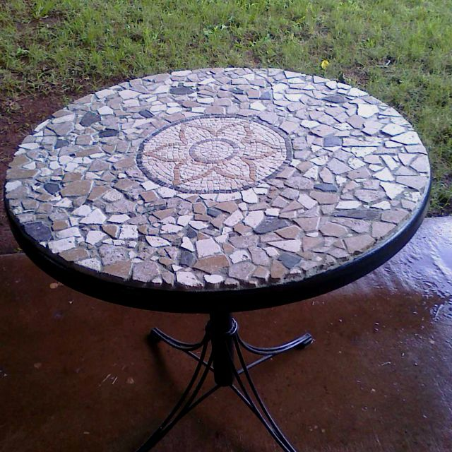 DIY Mosaic Table OMG Mosaic My Patio Table Hmmmmm Table Mosaic Ideas P