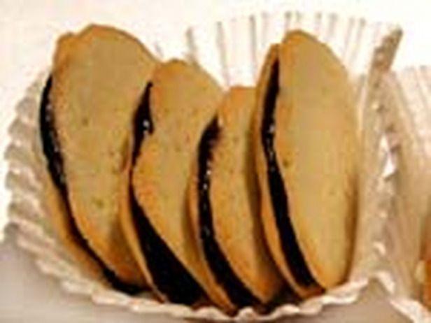 """Homemade """"Milano"""" cookies."""